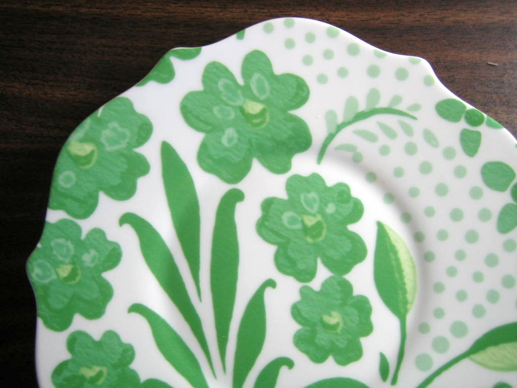 Spring Green on White Boho Chic Floral Great Shaped Rosanna Plate 3