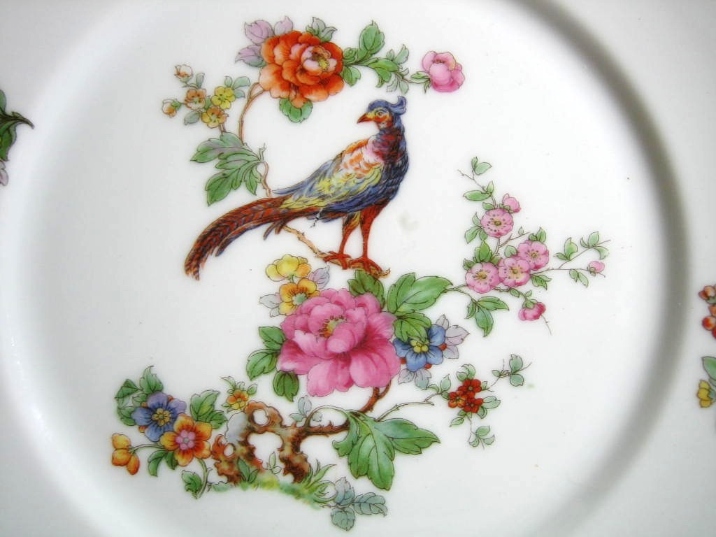 Vintage European Chinoiserie Exotic Bird Roses medium Decorative Plate Center . & Vintage European Chinoiserie Exotic Bird Roses Medium Decorative ...