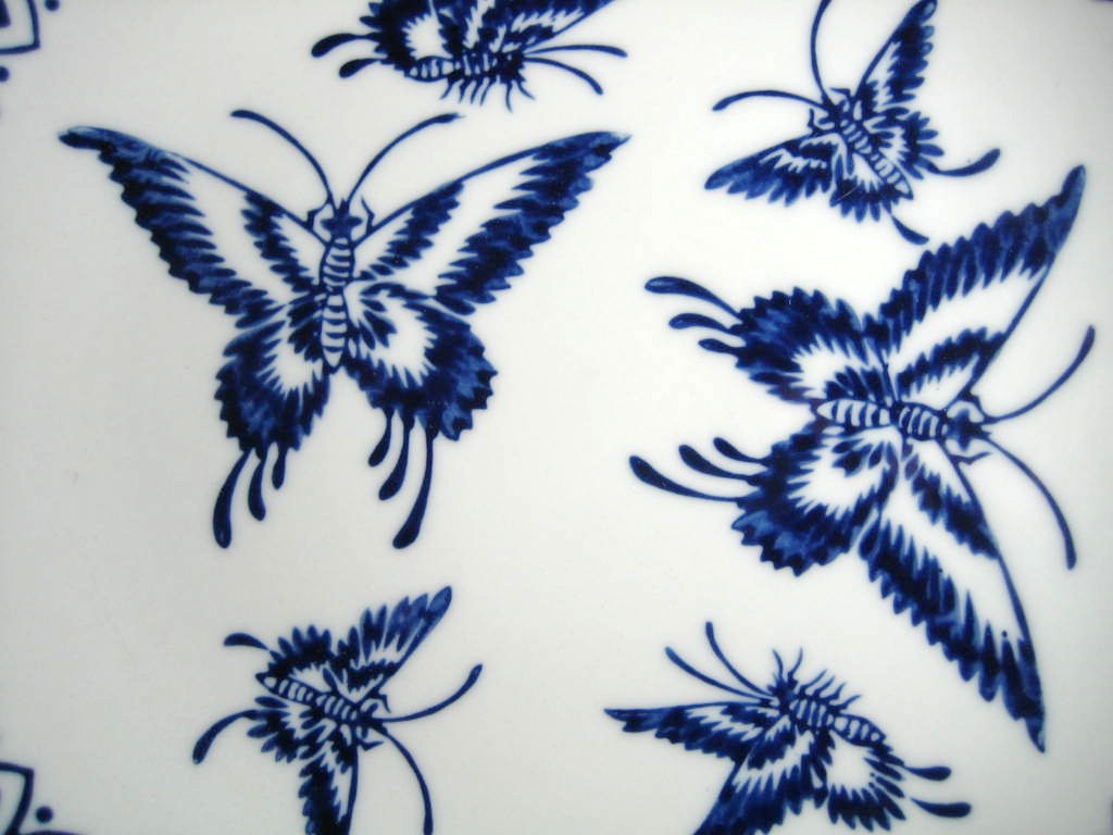 Cobalt Blue Exotic Chinoiserie Butterfly Pointy Edge Plate Center www.DecorativeDishes.net