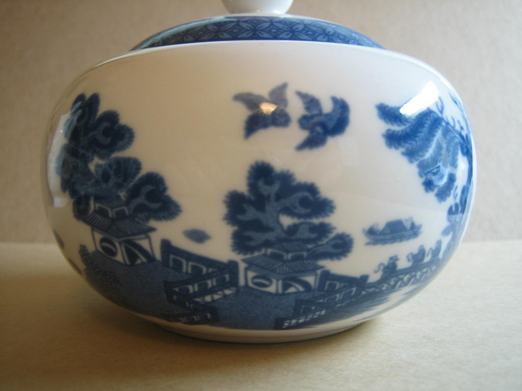 Decorative Small Lidded Bowl - Blue White Chinoiserie Exotic Birds Cute Round Edge www.DecorativeDishes.net