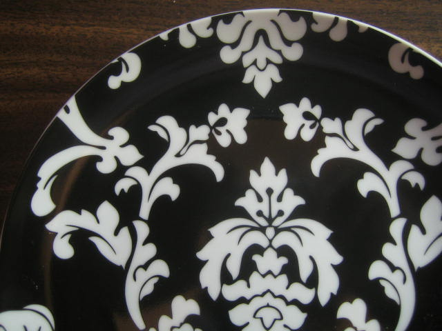 White on Black Damask Exotic Wallpaper Scroll Decorative Plate B