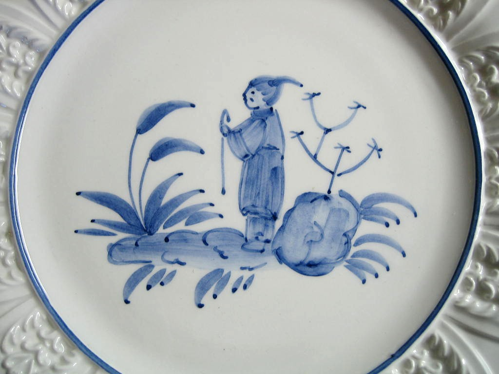 Blue on Bright White Asian Boy Standing Textured Leaf Edge Italy Plate Center www.DecorativeDishes.net