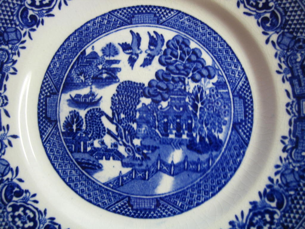 OLD Flow Blue White Chinoiserie Exotic Birds English Willow Plate M Center www.DecorativeDishes.net