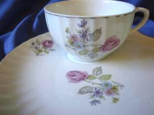 Vintage Roses Shell Shape Snack Cup Plate Tennis Set Edge www.DecorativeDishes.net