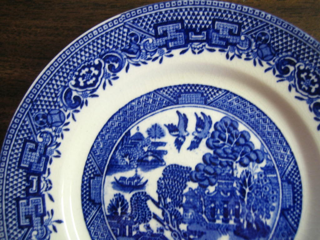 OLD Flow Blue White Chinoiserie Exotic Birds English Willow Plate M Edge www.DecorativeDishes.net