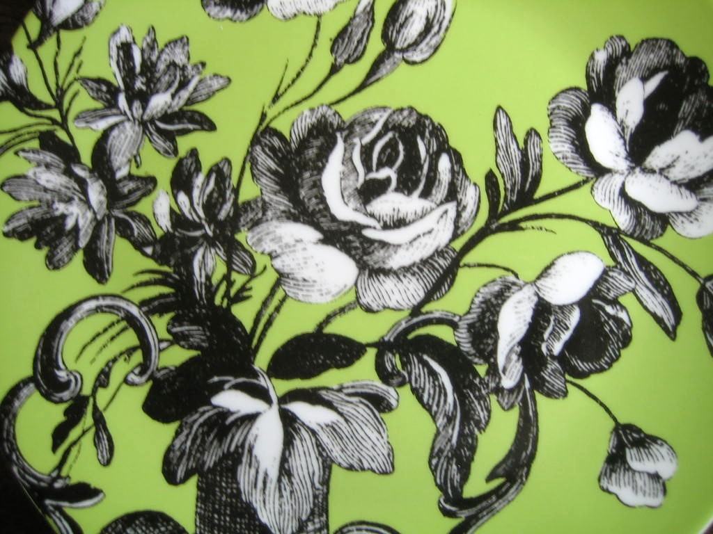 Black and White Toile on Green Roses Berries Rosanna Plate C Center www.DecorativeDishes.net