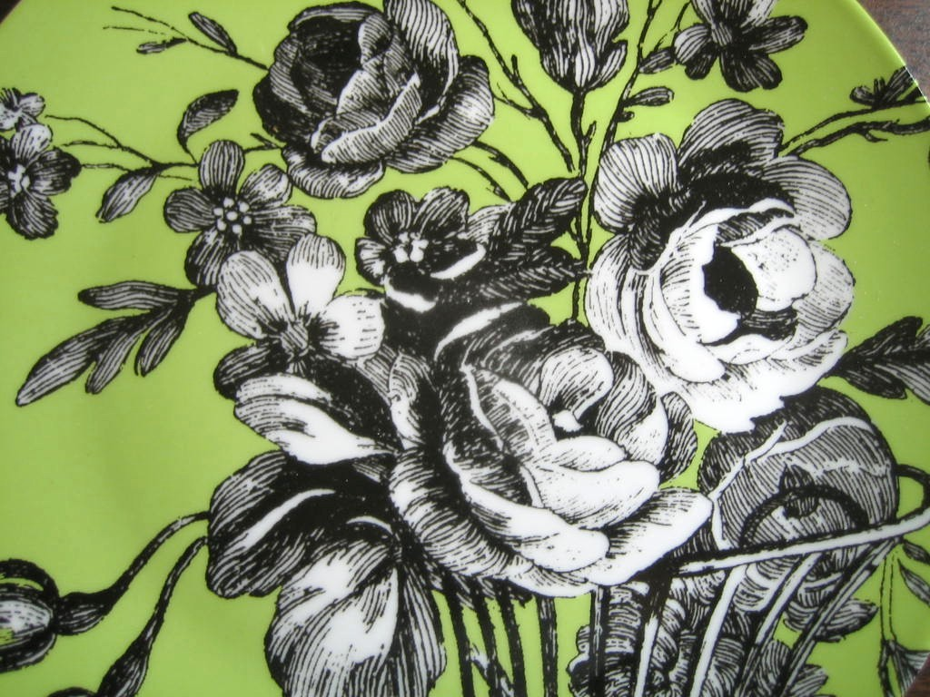 Black and White Toile on Green Roses Berries Rosanna Plate D Center www.DecorativeDishes.net