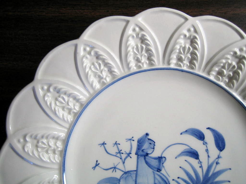 Blue on Bright White Asian Boy Textured Leaf Edge Italy Plate Edge www.DecorativeDishes.net