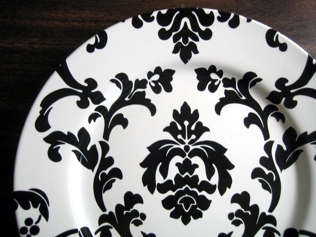 Black on White Damask Exotic Wallpaper Scroll Decorative Plate B