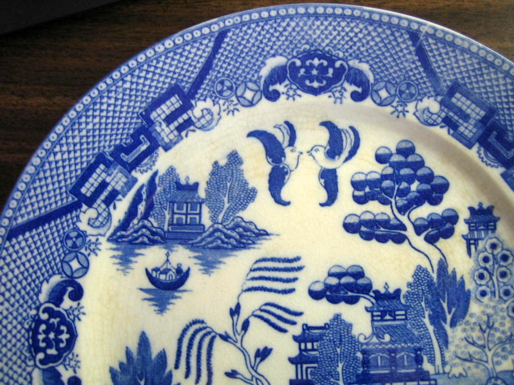 Blue White Chinoiserie Exotic Bird Japan Willow Plate OLD Edge www.DecorativeDishes.net