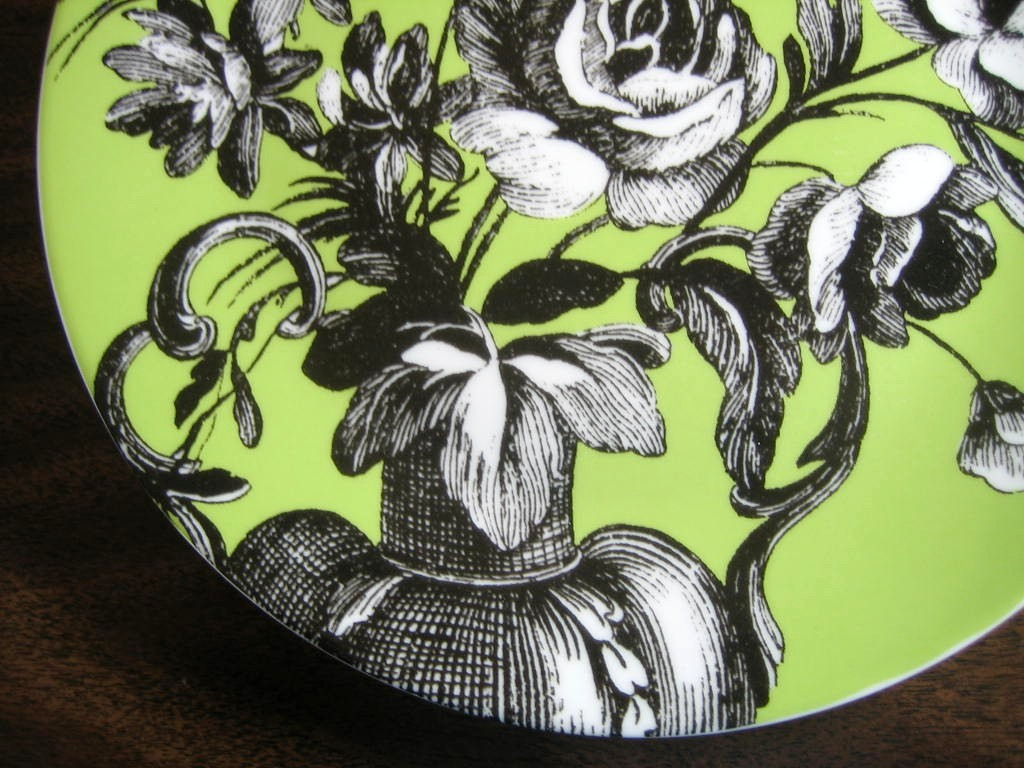 Black and White Toile on Green Roses Berries Rosanna Plate C