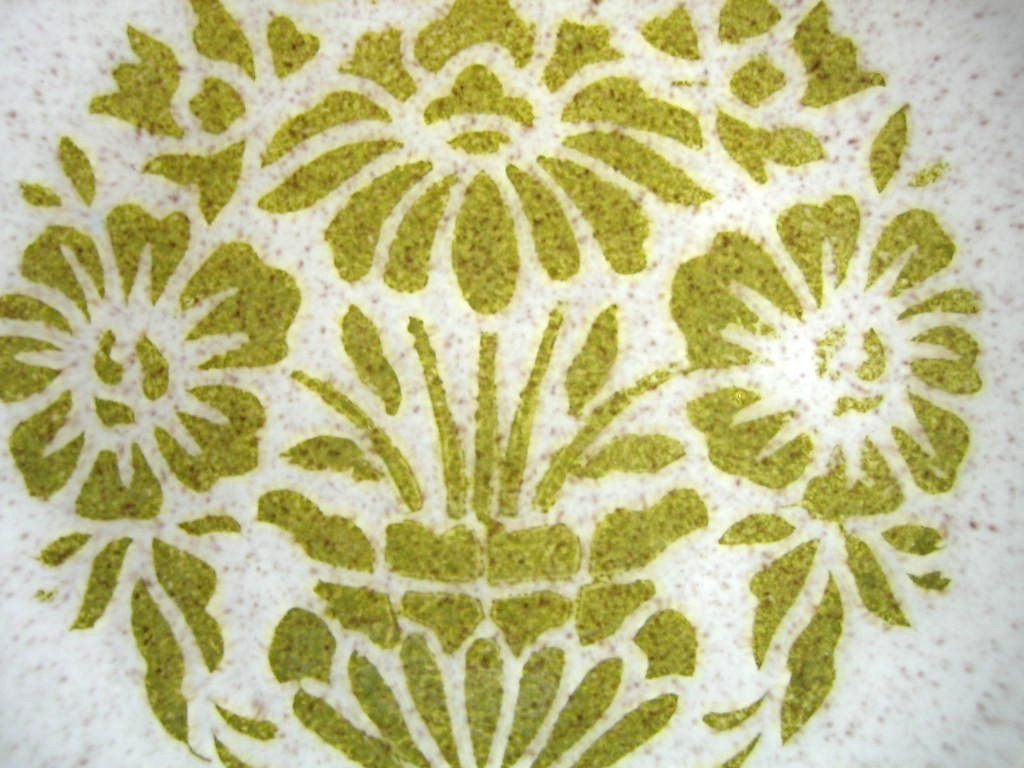 Vintage 1960s Mad Men Green Stencil Sunflower Mottled Glaze Plate Center www.DecorativeDishes.net