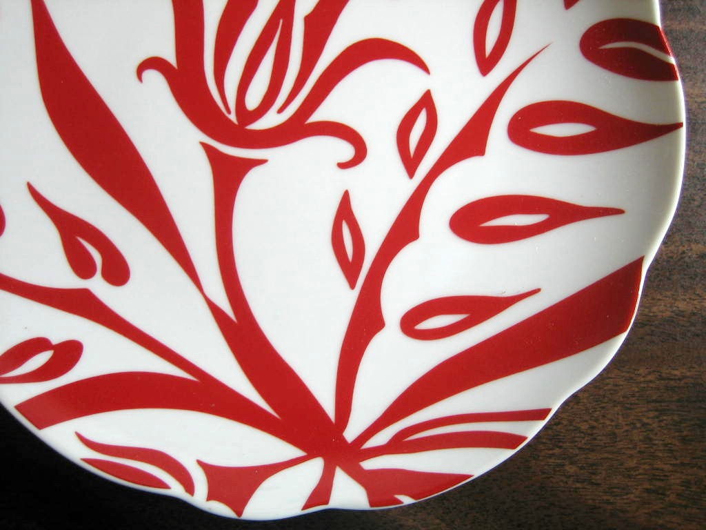 Red White Exotic Lotus Urban Boho Chic Rosanna Plate Edge www.DecorativeDishes.net