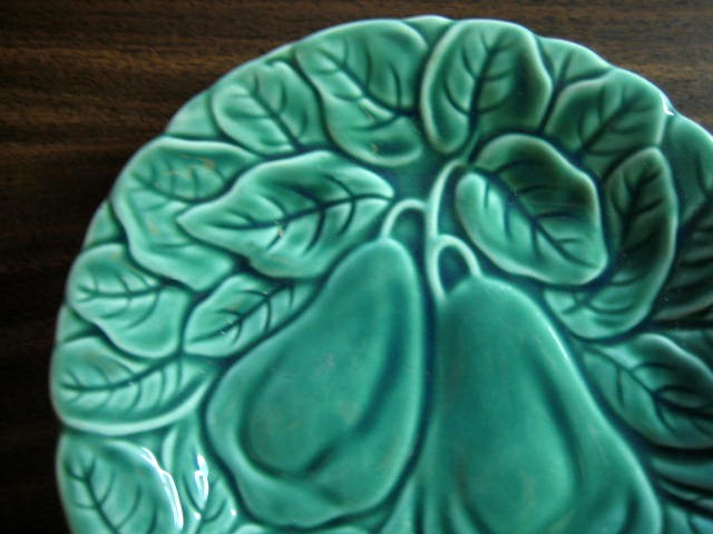 Bright Green Lush Leaves Pears Majolica Vintage Plate Edge www.DecorativeDishes.net