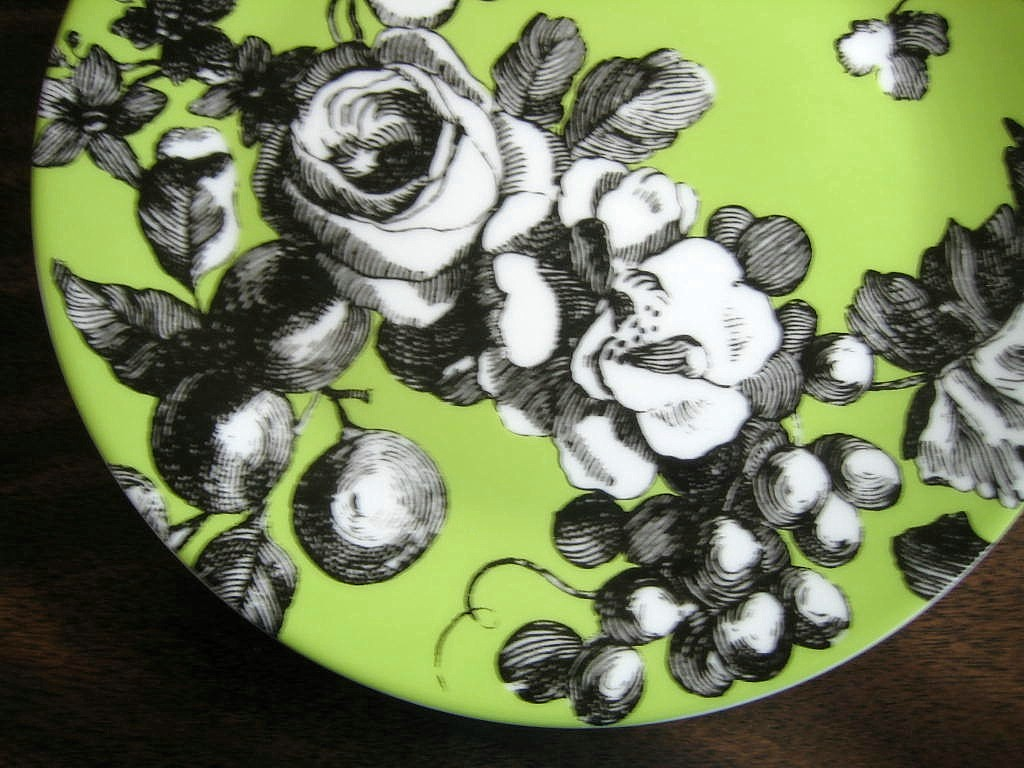 Black and White Toile on Green Roses Berries Rosanna Plate