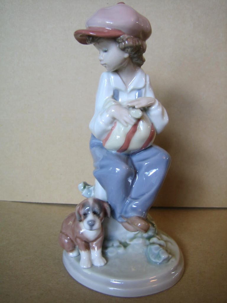 Lladro Boy Puppy MY BEST FRIEND 5401 Retired MIB FREE SHIP Center www.DecorativeDishes.net