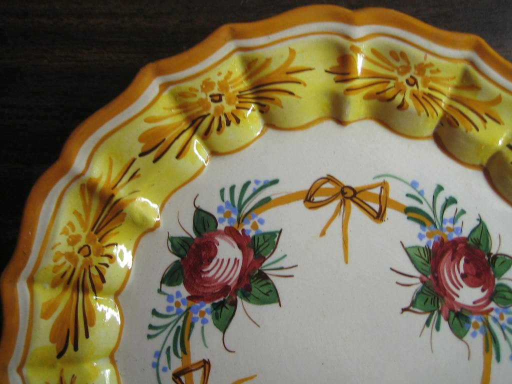 Vintage  Roses and Bows Golden Scalloped Italy Italian Plate Edge www.DecorativeDishes.net