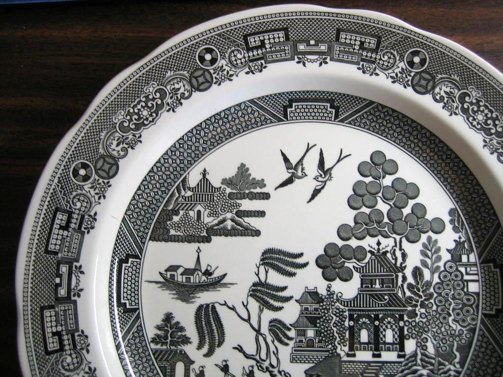 Black White Chinoiserie Exotic Bird Willow Plate Edge www.DecorativeDishes.net
