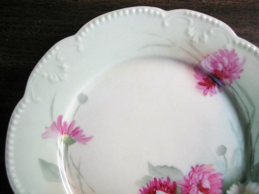 Antique Hand Painted Pink Pink Daisy French Limoges Porcelain Plate Edge www.DecorativeDishes.net